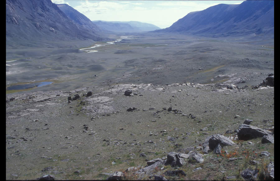 Large circle on a high terrace. Date uncertain. Upper Tsagaan Gol. View east down Tsagaan Gol.Large circles appear on terraces or ridges, alone or by twos. The function and age of large circles are uncertain.